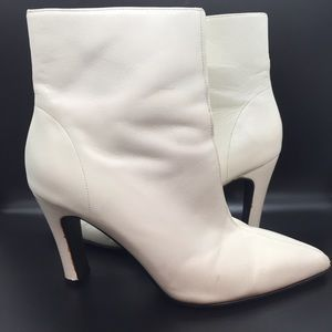 Bootalinos Vintage White/Cream Leather Ankle Boots